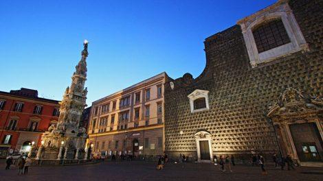 piazza del gesù napoli centro storico