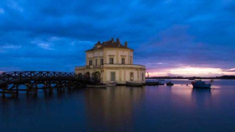 casina vanvitelliana lago fusaro tramonto sera